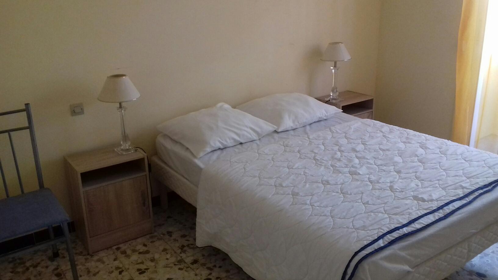 Chambre 1 avec balcon :