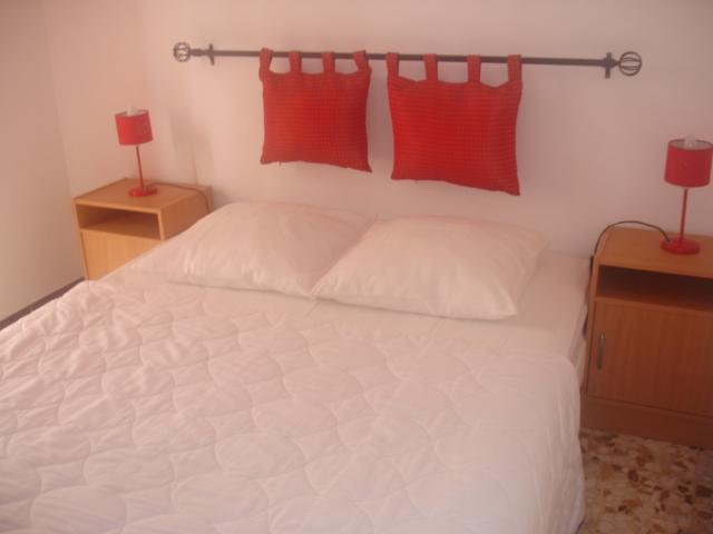 Chambre 2 avec accès jardin privatif :